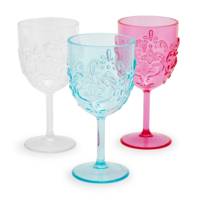 Cute, affordable wine glasses | outdoor acrylic wine glass