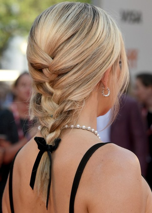 Best Celebrity French Braids: Kate Hudson's Soft And Tied French Braid | Celeb Hairstyles 2017