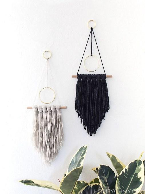 Winter Decor DIYs: Modern Yarn Hang