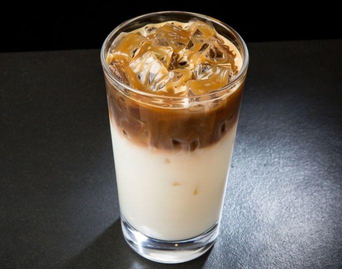 Iced Caramel Macchiato Starbucks
