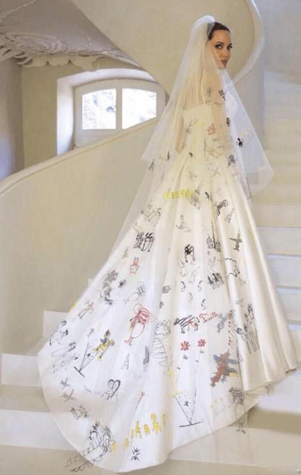 Angelina Jolie shows off her stunning wedding gown