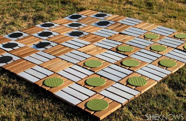 How to make a super-size checkers