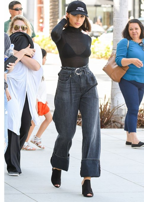Celebrities Who Wore Wide Leg Jeans and Looked Damn Good |
