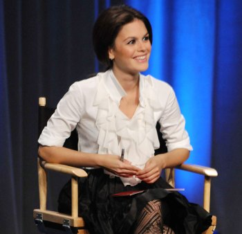 Rachel Bilson can only look on and laugh on Project Runway
