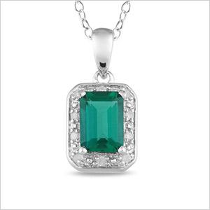 Emerald-colour accessories to jazz up your