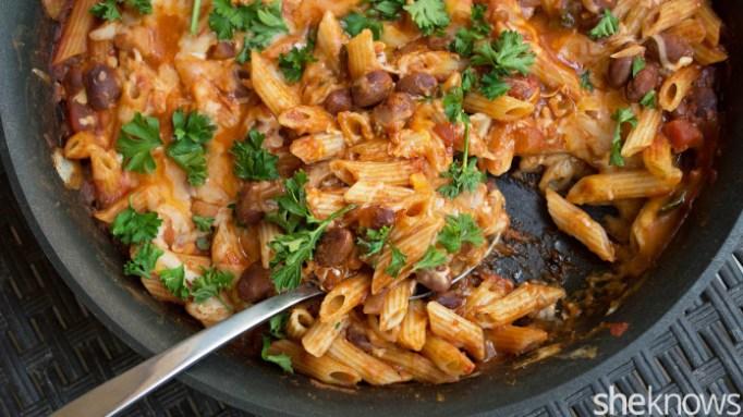 Vegetarian chili pasta