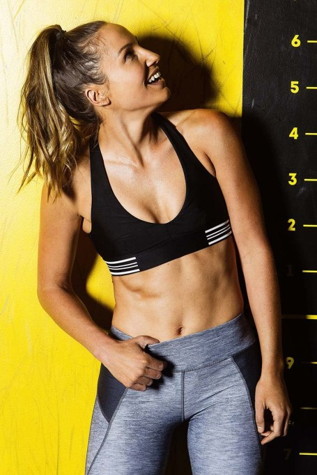 Activewear Brands You Should Definitely Know: First Base Balance Crop | Summer Fitness 2017