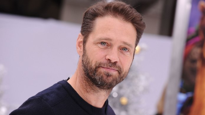 Jason Priestley Reveals He Punched Harvey