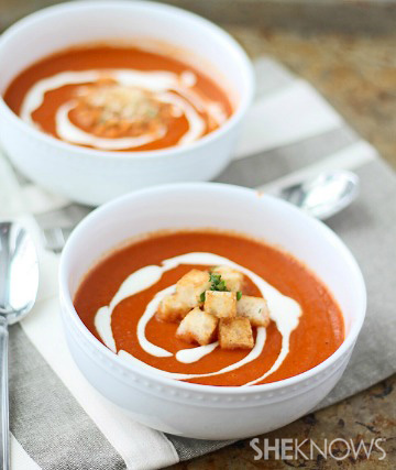 red pepper soup with creme