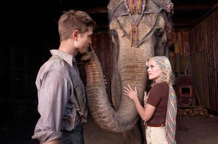 Robert Pattinson and Reese Witherspoon with Rosie in Water for Elephants