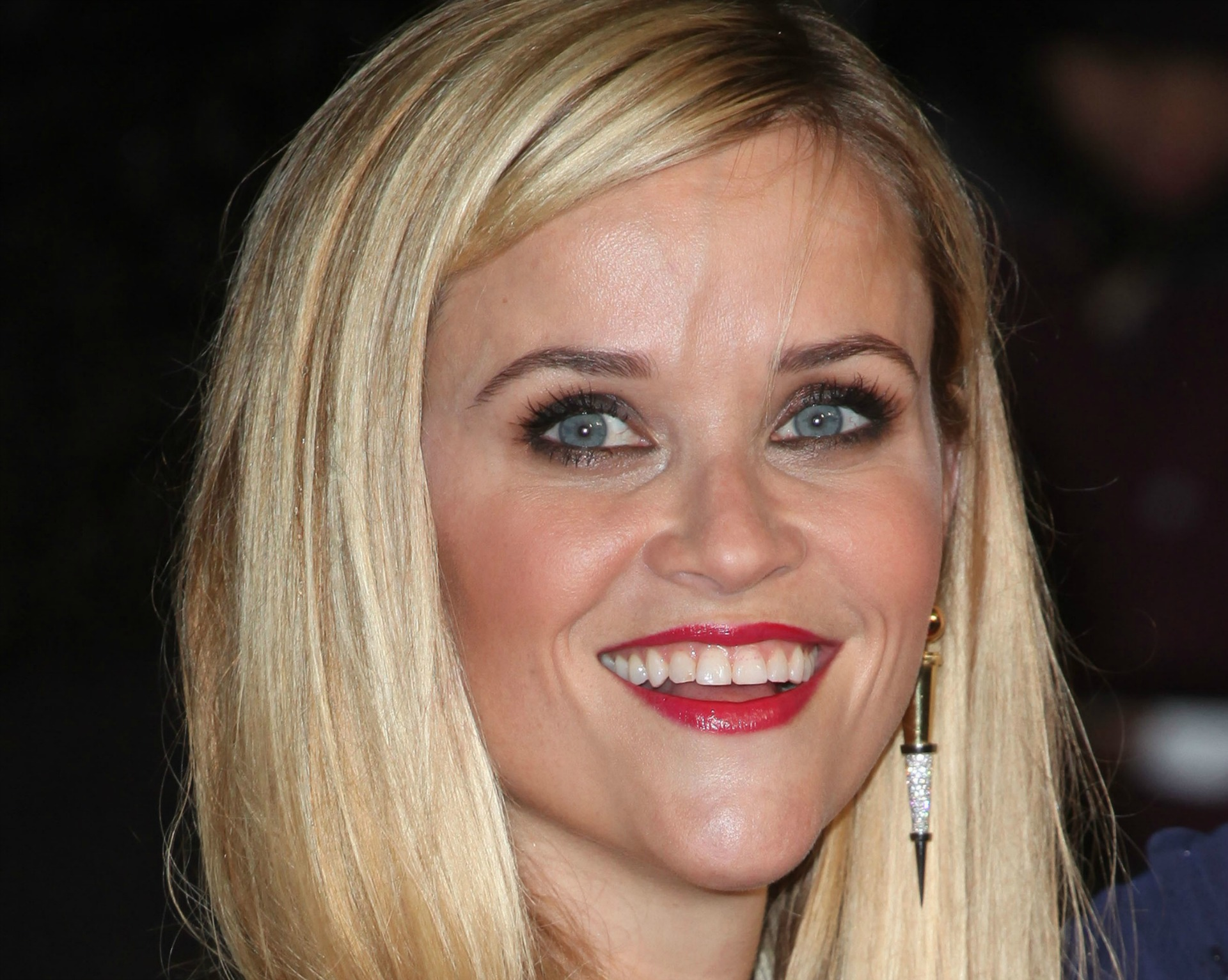Reese Witherspoon in red lipstick