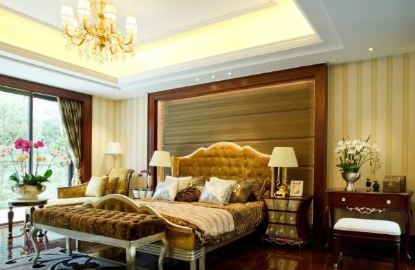 Glamorous bedroom: Create your own stylish