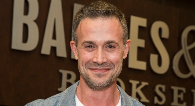 Celebs Who Host Their Own Podcasts: Freddie Prinze Jr.