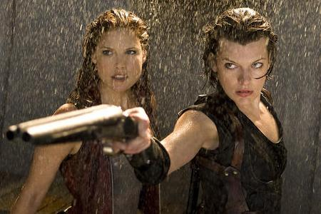 Ali Larter and Milla Jovovich in Resident Evil: Afterlife