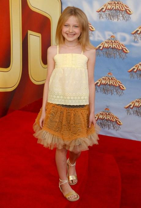 Dakota Fanning yellow dress