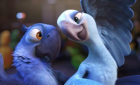 Jesse Eisenberg and Anne Hathaway find love in Rio