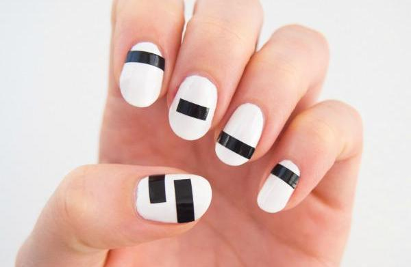 Fashion nails inspired by Chanel