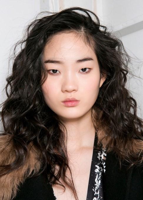 Summer Beauty Ideas For When It's Crazy-Hot | Voluminous curls