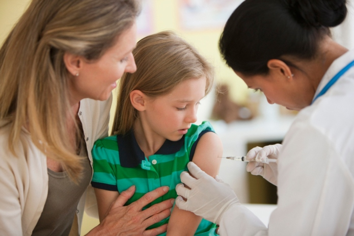 Can vaccinating moms and non-vaccinating moms