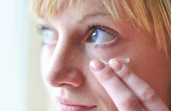 4 Anti-aging skincare tips