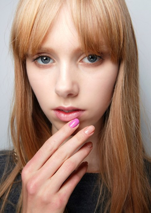 Summer Beauty Ideas For When It's Crazy-Hot | An accent nail