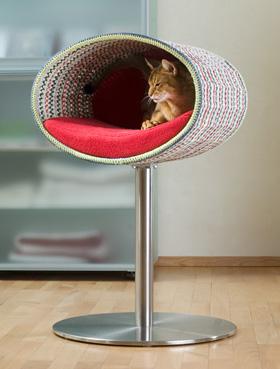 RONDO Stand Crochet Cat Stand