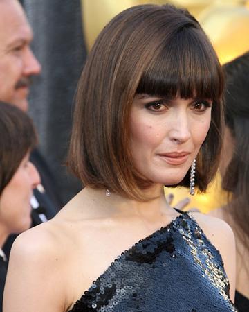 Rose Byrne lobe haircut