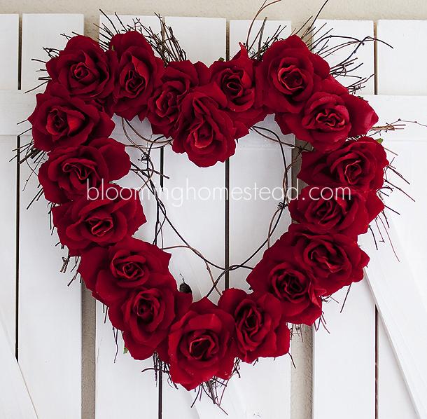 Valentine's Day Decor: Heart rose wreath