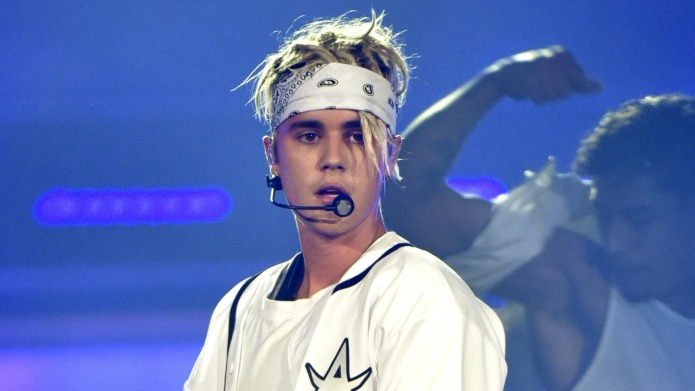 Justin Bieber sheds tears in new