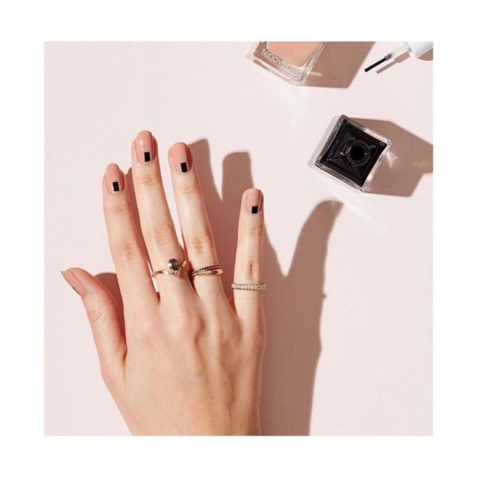 Top Nail Trends For 2018 | black accents with a nude or neutral color