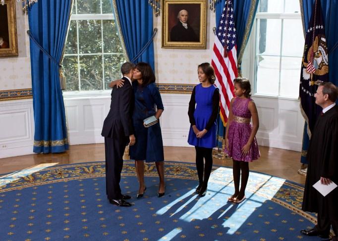 malia-sasha-obama-inauguration-2013