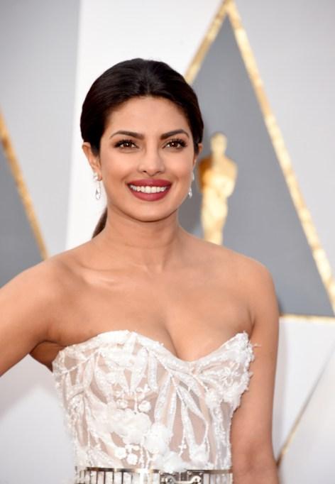 Natural Celebrity Beauty Hacks | Priyanka Chopra — Sea Salt And Rose Water Lip Scrub