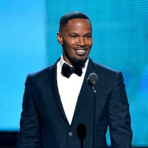 A drunk Jamie Foxx hits on