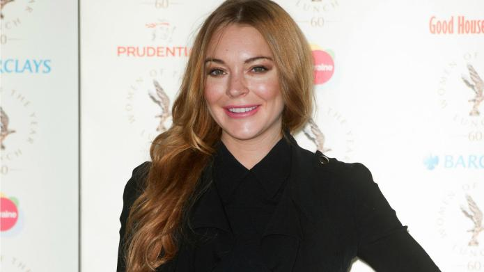 Lindsay Lohan thinks fan meet-and-greets count