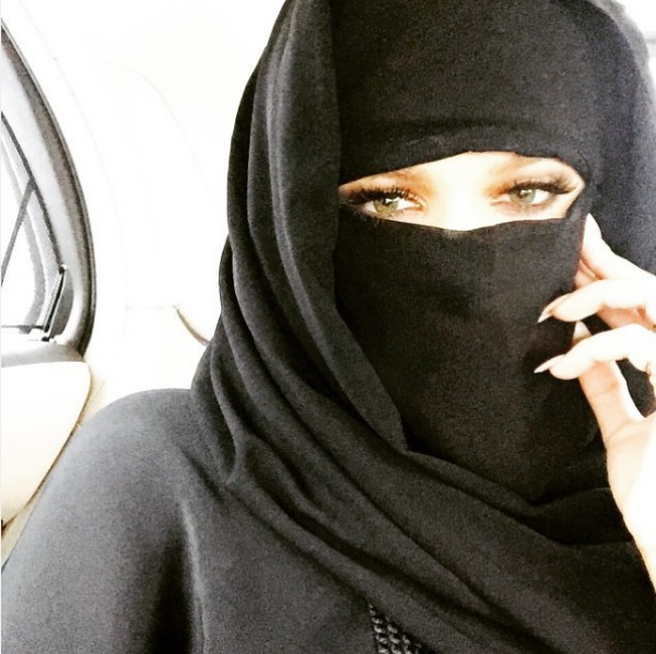 Khloe Kardashian wearing a Niqab
