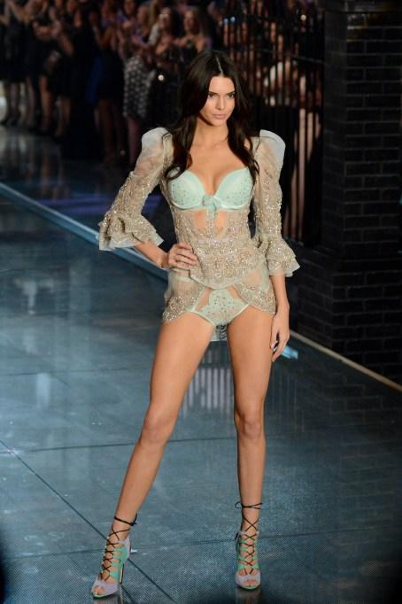 2015 Victoria's Secret Fashion Show Kendall Jenner