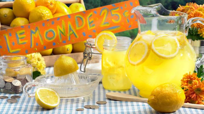 10-Year-old's lemonade stand raises funds for