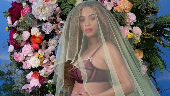 Does Beyoncé's Pregnancy Photo Include Secret
