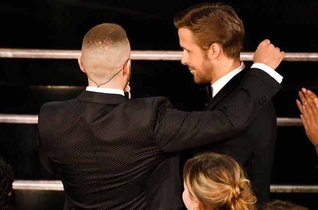 Awkward Hug Gosling Timberlake Oscars