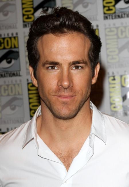 Ryan Reynolds promoting Green Lantern