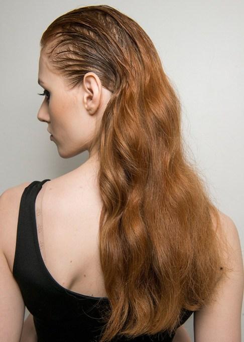 Low-Maintenance Summer Beauty Inspiration Ideas: Red Hair Girl Wet Hair | Summer Beauty 2017