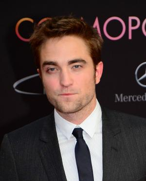 Robert Pattinson shows up to the