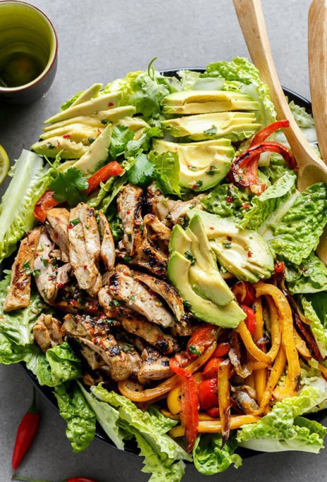 50 Easy Summer Salads: Grilled Chilli Lime Chicken Fajita Salad | Summer Eats