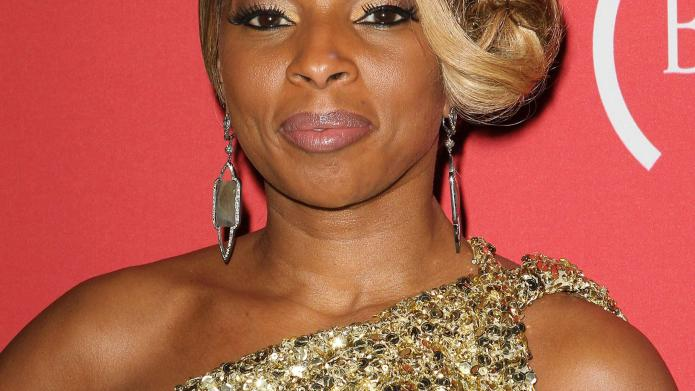 Mary J. Blige responds to pulled