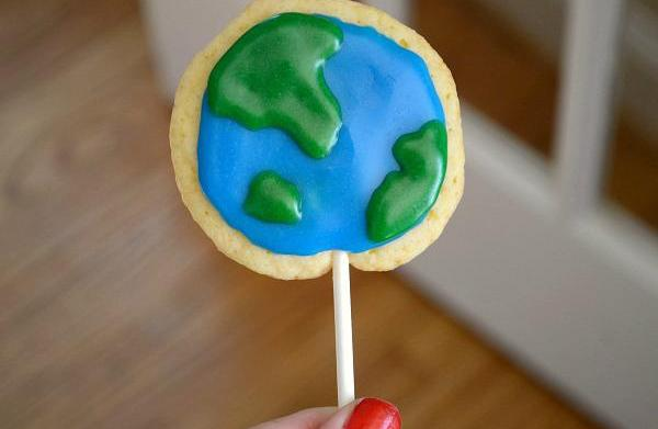 Planet Earth cookie pops
