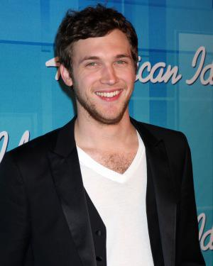Phillip Phillips out of the hospital