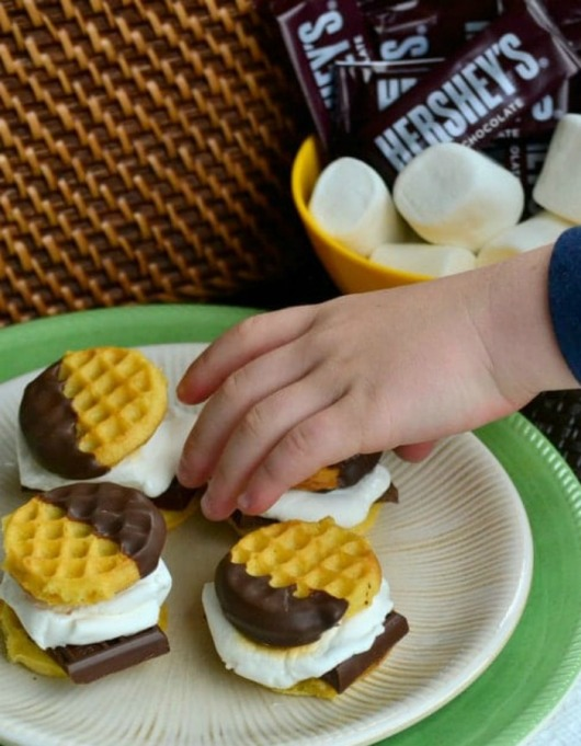 Food & TV Pairings: S'mores Sliders