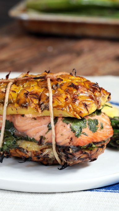 Grilled pineapple salmon plank