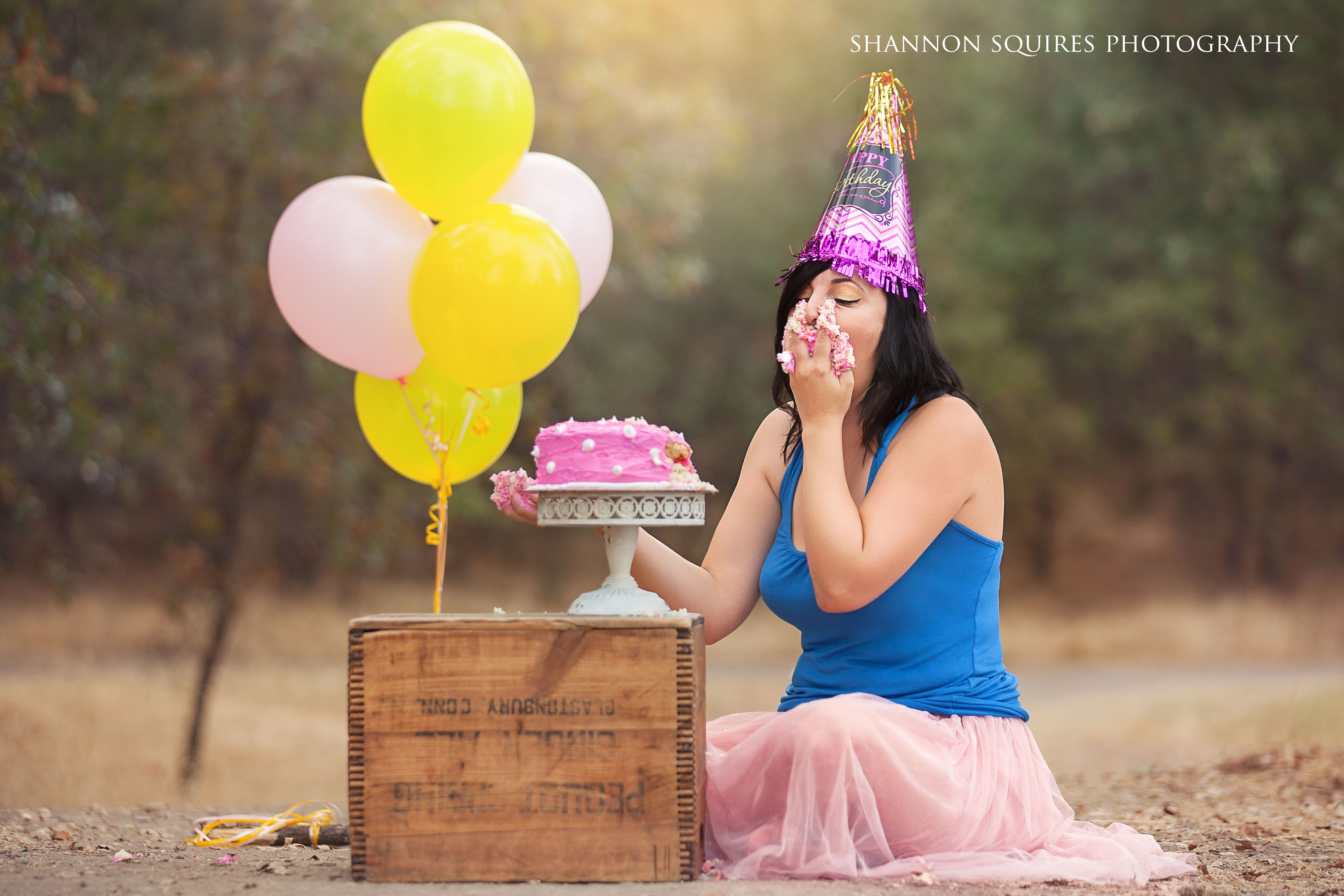shannon-squires-sabrina-adult-cake-shoot