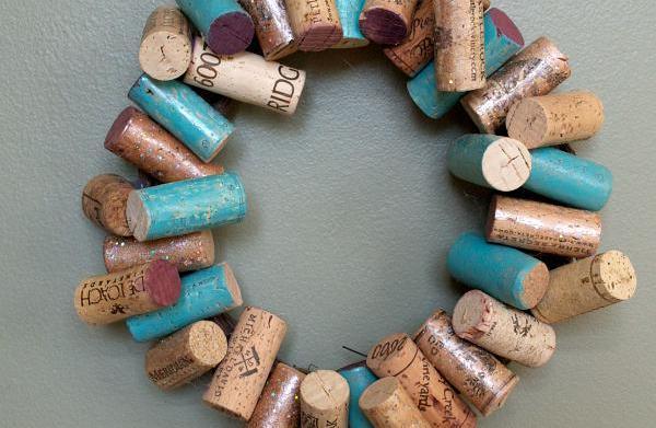 DIY Painted wine cork wreath